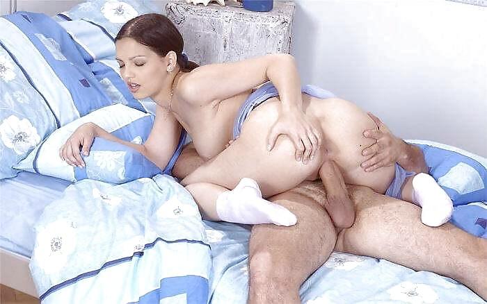 Meine Frau im Bett gefickt